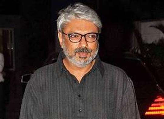 LA Filmmaker Atul Arora To Direct Kangana Ranaut